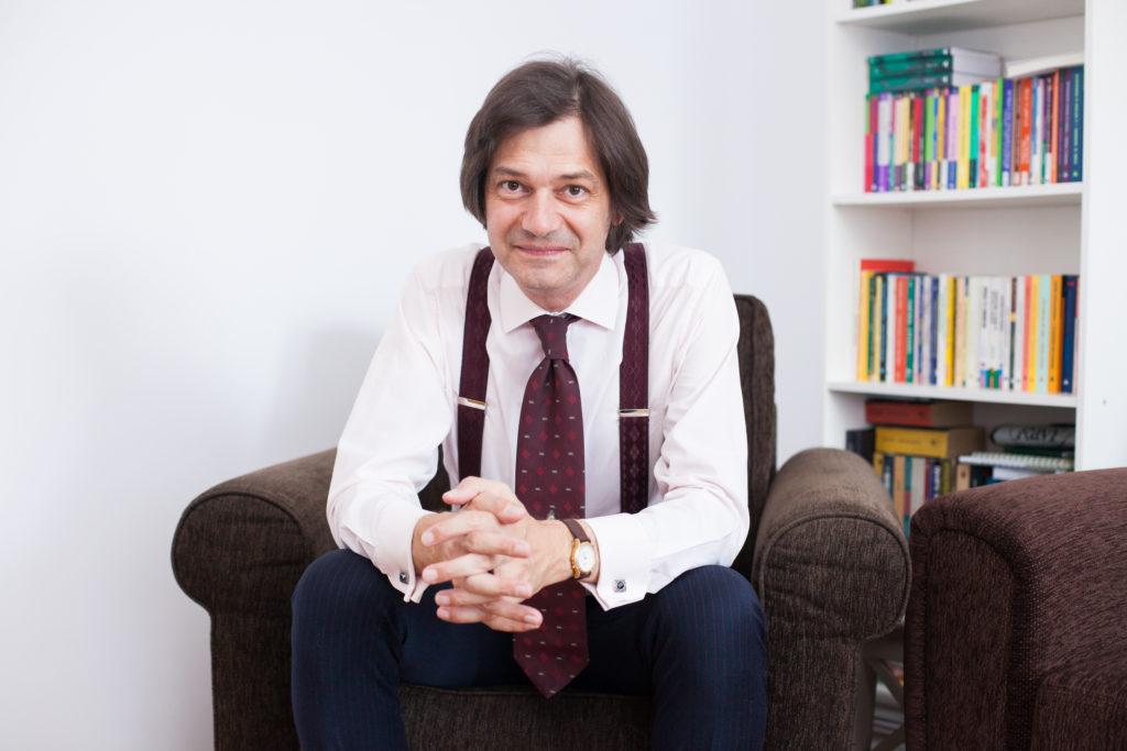 Ioan Nicut - CUM SĂ-ȚI SUSȚII CLIENȚII FĂRĂ JUDECATĂ SAU CRITICĂ (seminar)